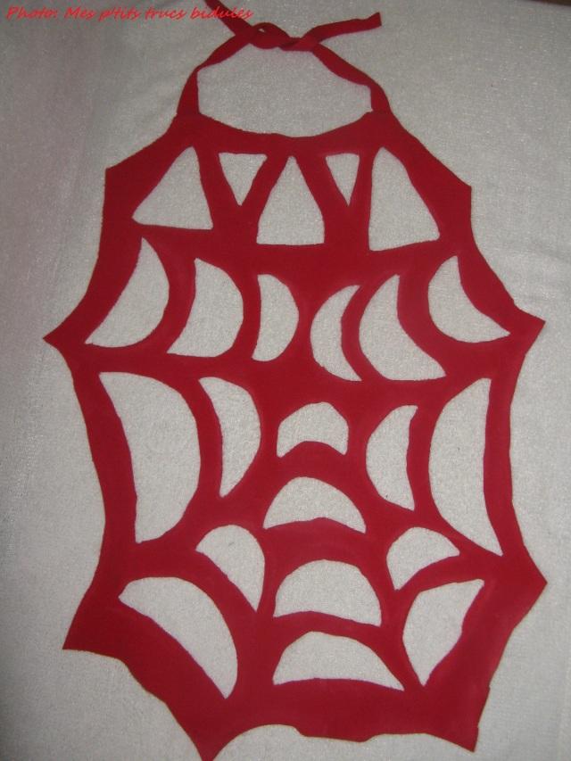 cape toile d'araignée version rouge