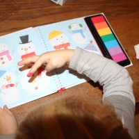 Dessine avec les doigts Noël des éditions Usborne